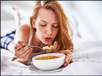 4 Bahaya Tiup Makanan Panas Ini Buktinya