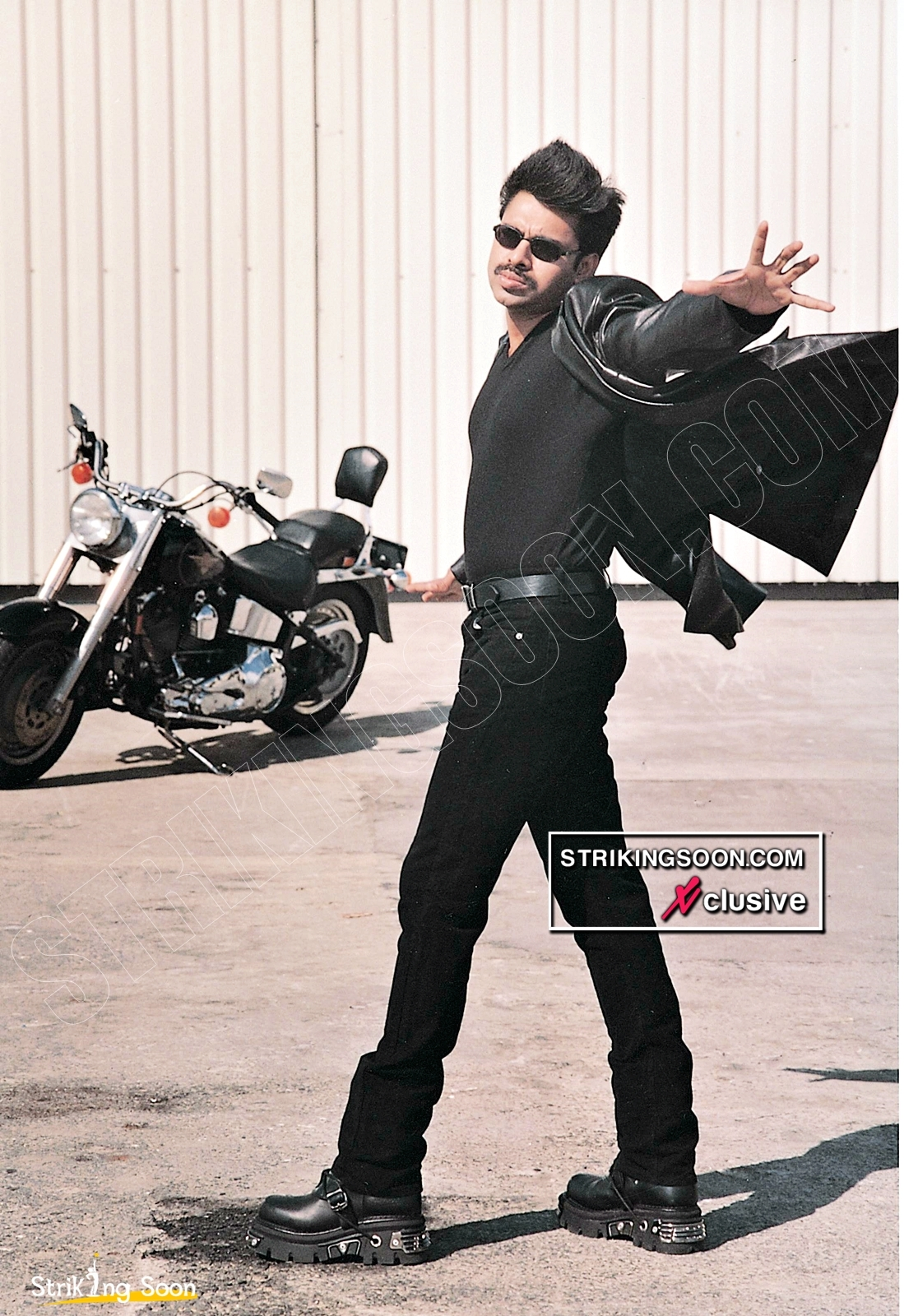 Badri Movie Images With Quotes: StrikingSoon.com: Unseen