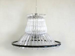 Lampara hecha con material reciclado