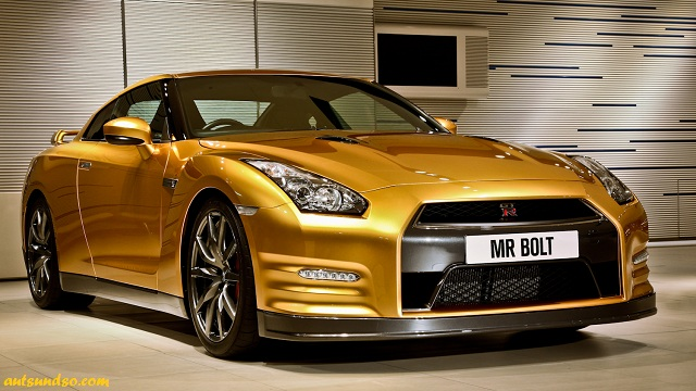 Goldener Nissan GT-R Bolt Gold