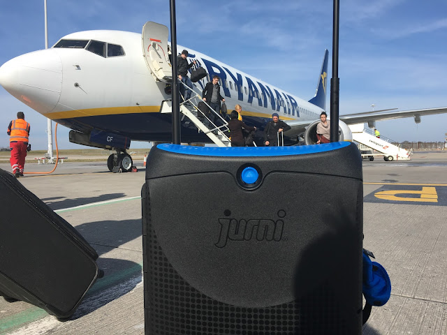 The Jurni suitcase departs a Ryanair flight