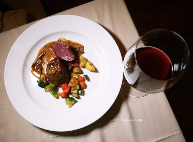 Grilled Australian grain fed Fillet Mignon Steak paired with Cloudy Bay Pinot Noir 2014