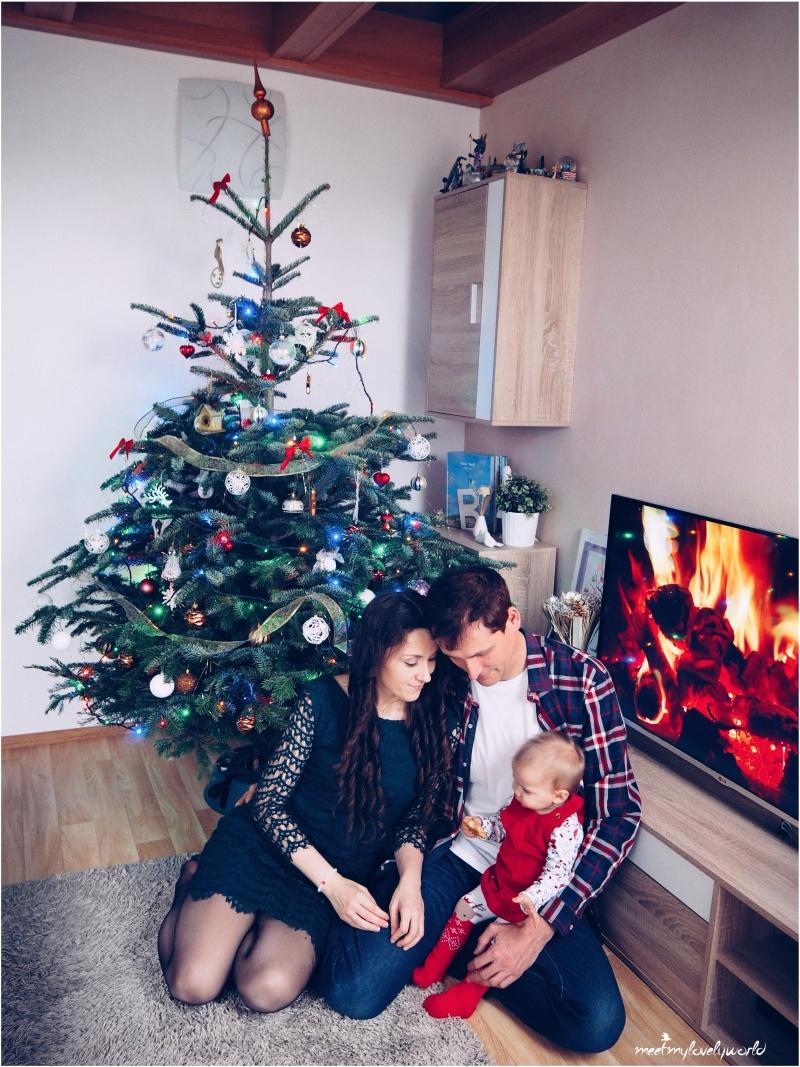 První Vánoce ve třech 8bd26c2de24
