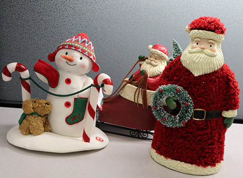 Mixed Media Santa ($32.95), Mixed Media Santa in Sleigh ($39.95), or their new dancing Snowman the Stockings Hung With Care, $17.95.   Hallmark releases their annual Limited Edition dancing snowman since 2003 and if you collect them, the Stockings Hung With Care will be a great addition