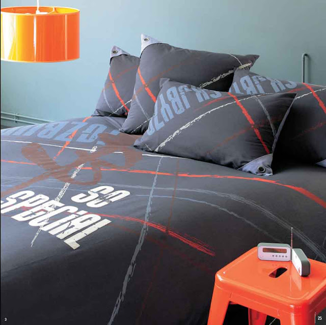 Modern Bedrooms With Eye Catching Hanging Lamps:  Modern Furniture Trends & Ideas: Bed Covers & Linens