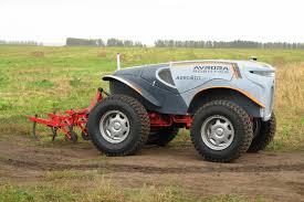 تجربة جرار ذاتي الحركة بنجاح في روسيا auto tractors or robot tractors