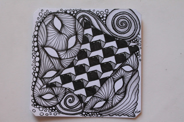Yuma and Rautiflex Zentangle Challenge