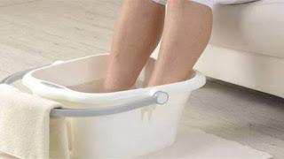 لهذه الأسباب.. يجب وضع القدمين في المياه الباردة! 67