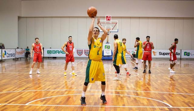 Minastenista Lucas Lima liderou o Brasil na FISU [Kaizen Filmes/@_helenaberaldo/CBDU/Divulgação]