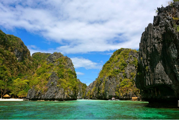 Foreign Magazine: Palawan is the BEST ISLAND in the world. MUST READ.