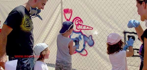 Taller de graffiti en Colorpaint Rubí