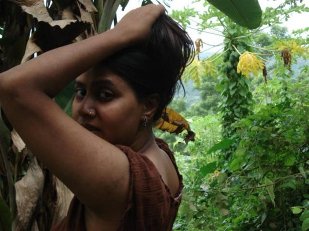 Dhaka hot actress elora gohor unseen pictures from aboard