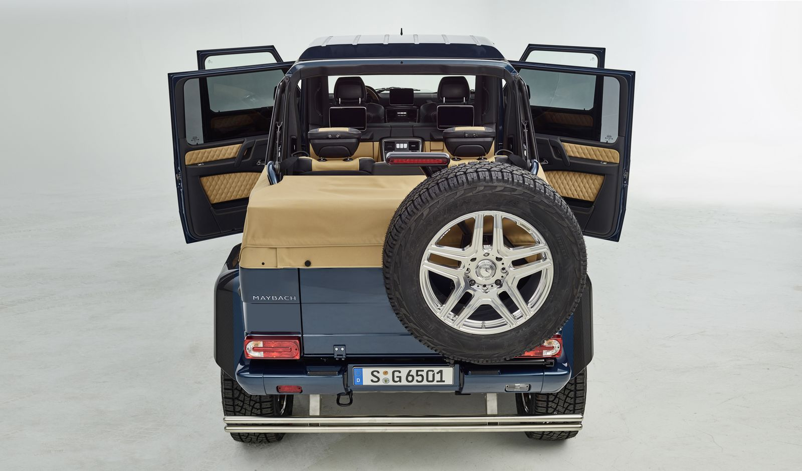 mercedes maybach g650 landaulet sends out current g class carscoops. Black Bedroom Furniture Sets. Home Design Ideas