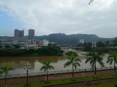 ベトナム・ラオカイからみる中国国境