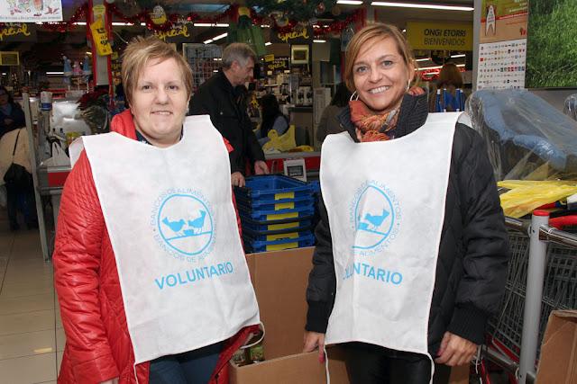 Voluntarias en Barakaldo para la Gran Recogida pro Banco de Alimentos