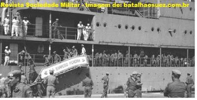MILITARES DO BATALHÃO SUEZ EM MARSELHA