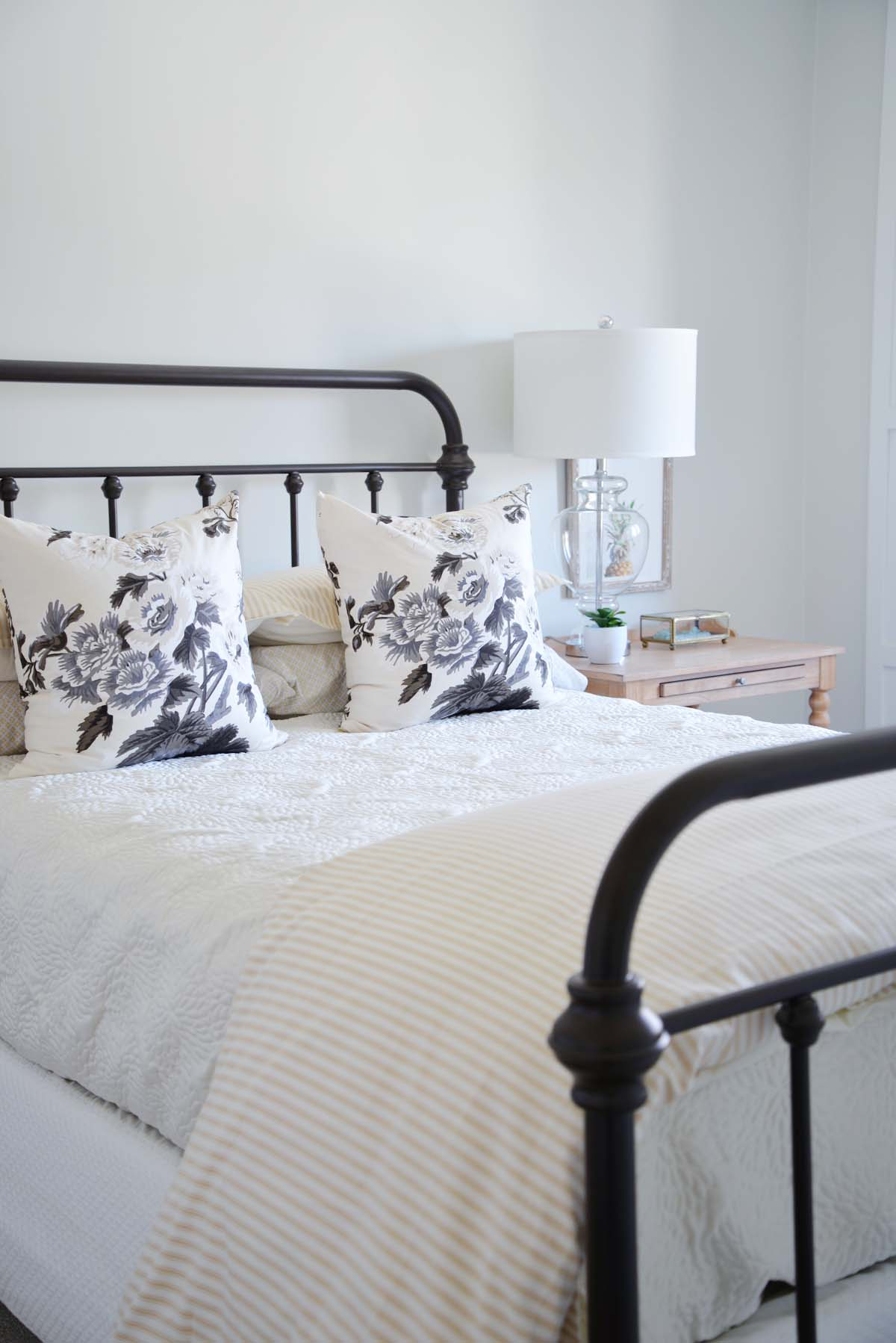 simple guest bedroom, farmhouse guest bedroom