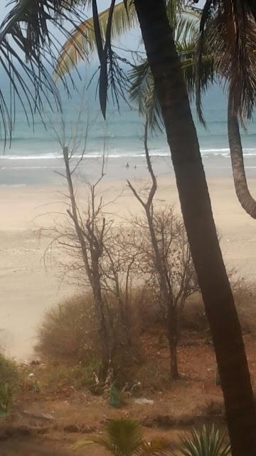 Blue water of Ganpatipule beach