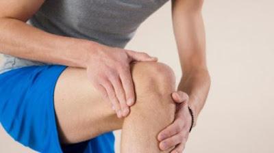 cara mengobati lutut sakit ketika ditekuk