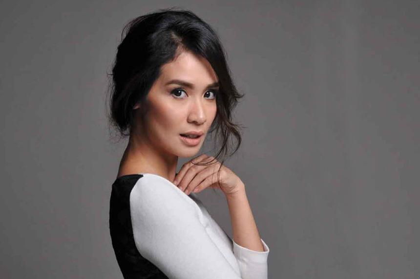 leher indah dan seksi Marsha Tomothy artis film senior indonesia