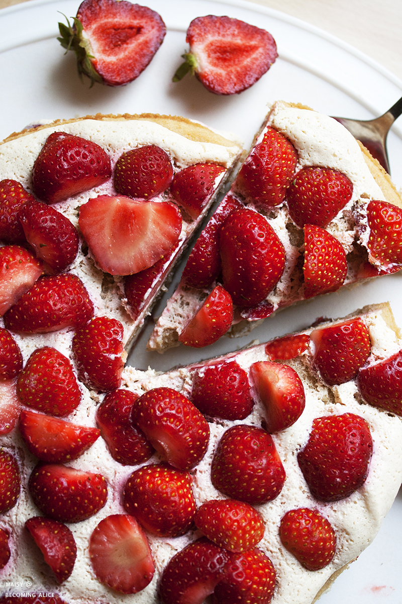 https://be-alice.blogspot.com/2017/07/easy-vegan-strawberry-cream-cake.html
