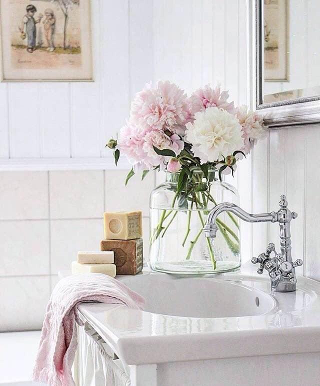 Vintage styled bathroom