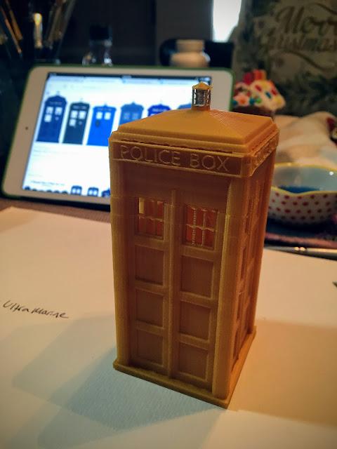 3D printed TARDIS via foobella.blogspot.com