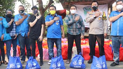 Polda Banten Bersama KNPI Salurkan Ribuan Paket Sembako Kepada Masyarakat