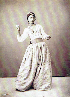 Anonymous Photography. Egyptian dancer, 1870. Nabil Jumbert Collection, Boulogne.