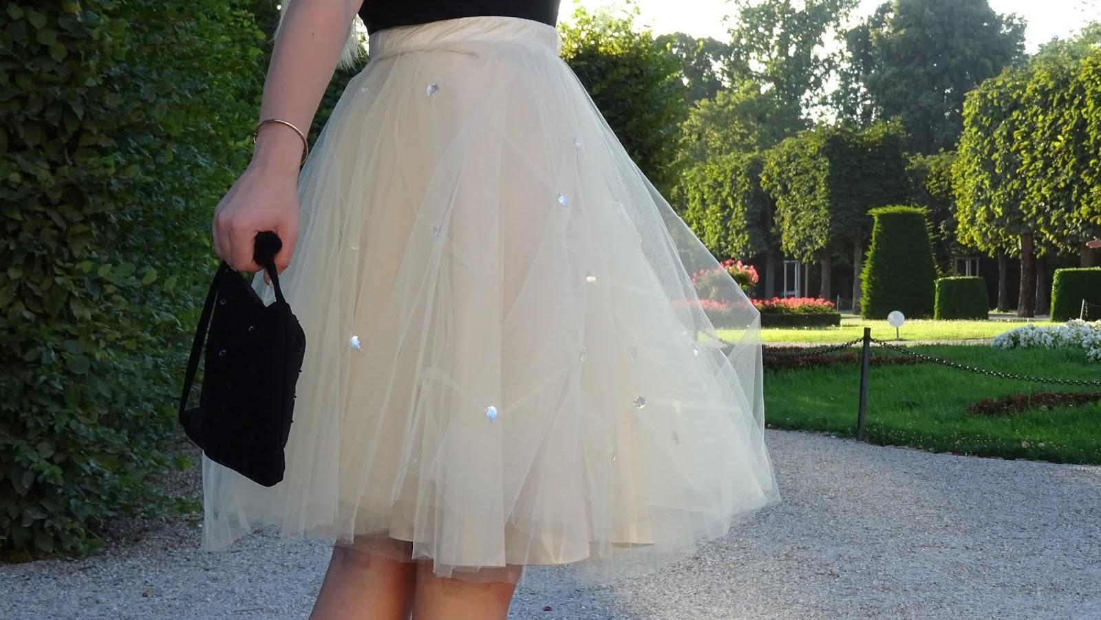 kremowa tiulowa spódnica