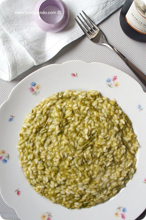 Risotto agli asparagi selvatici ricetta vegetariana per celiaci - wild asparagus risotto veggie recipe