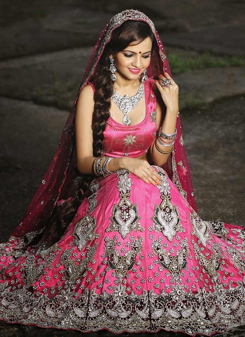 Top Indian Designer Choli & Bridal Lehenga Blouse Designs ...