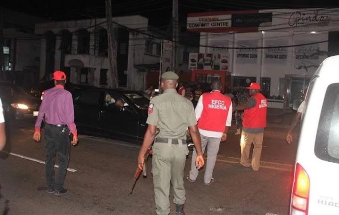 How EFCC Have arrested  six 'yahoo boys' in Abuja