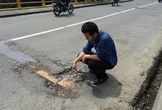 Bupati Trenggalek Tinjau Langsung Kondisi Kerusakan Jalan