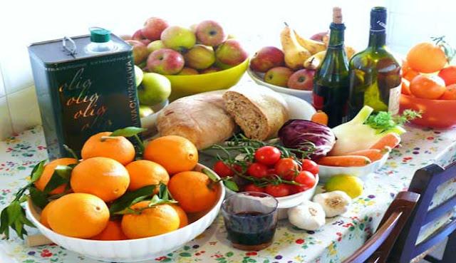 daging dan gula merah rendah serta memungkinkan Anda meminum anggur DIET MEDITERANIA DINOBATKAN SEBAGAI YANG TERBAIK UNTUK 2019