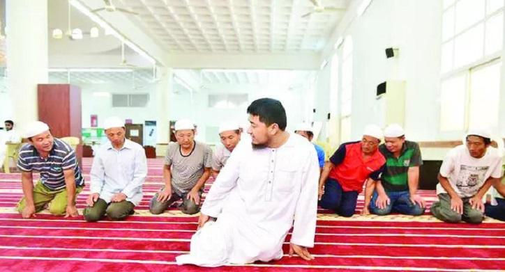 Buruh Cina Peluk Islam Selepas Kagum Tingkah Laku Imam Ini