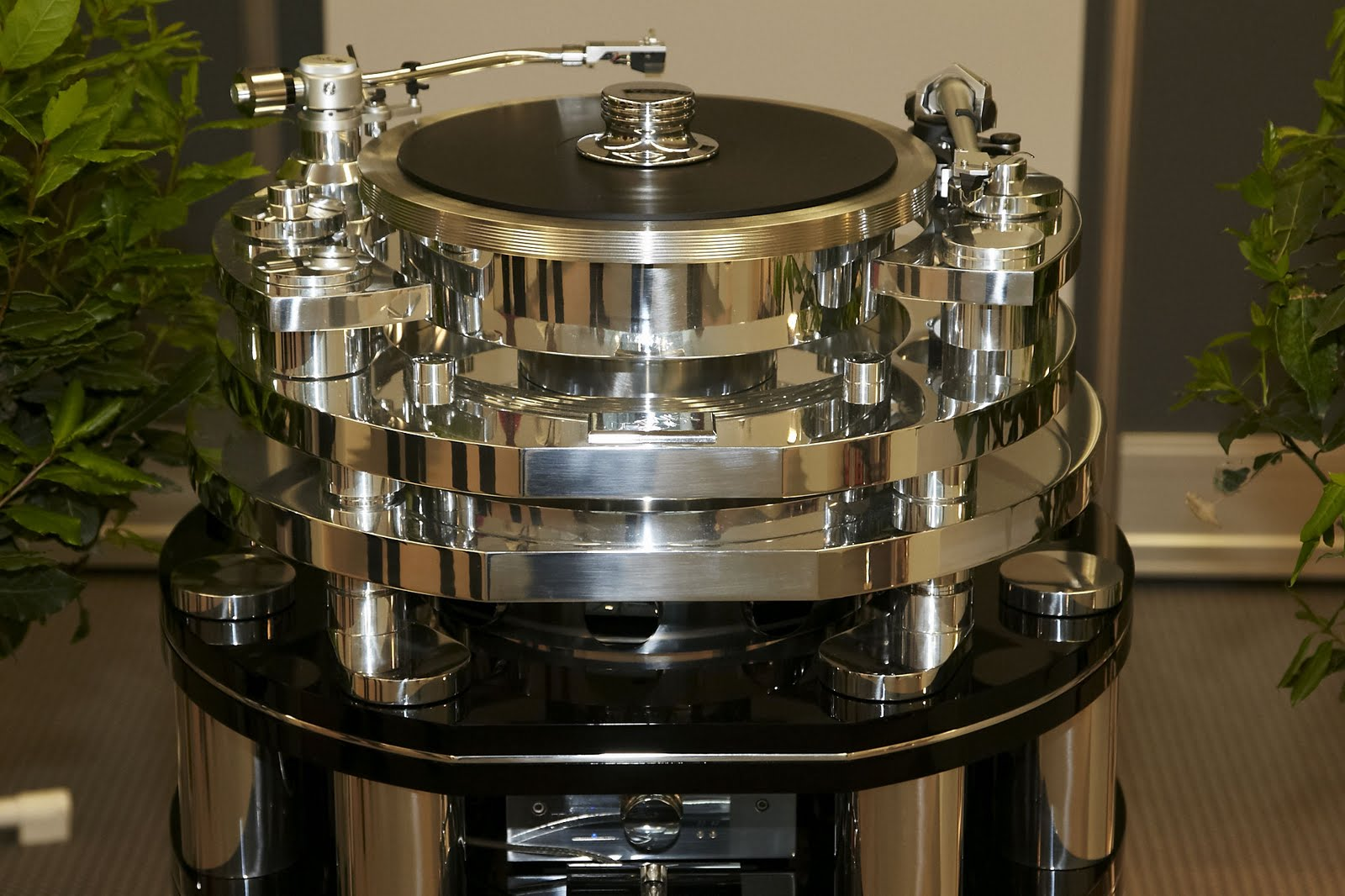 Wizard High-End Audio Blog: Turntables at HighEnd 2011 - part 2