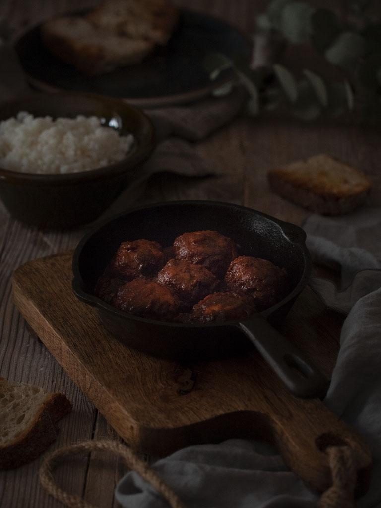 albondigas-mar-y-montaña-de-pollo-con-gambones