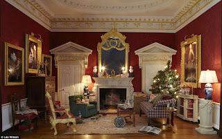 Dolls' Houses and Miniatures: Random Christmas Stuff Number 21