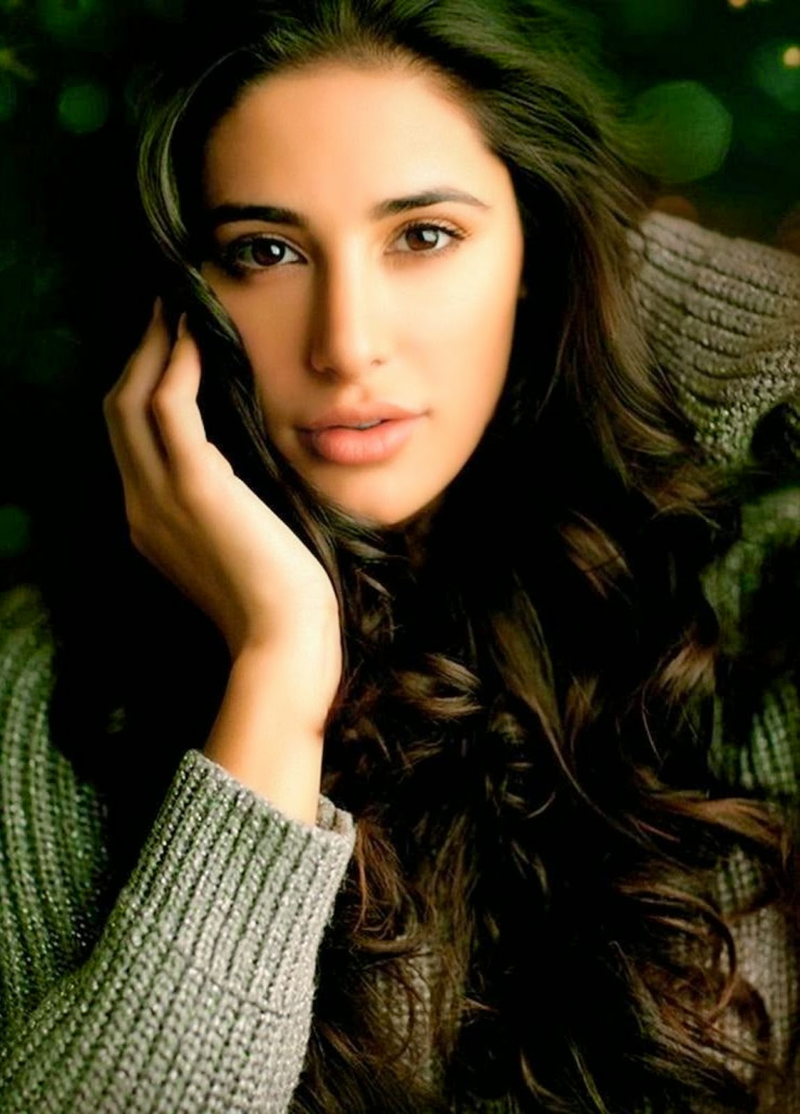 Nargis Fakhri Wallpapers Free Download