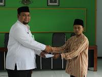 Santri Ponpes Kuningan Terima Kartu Indonesia Pintar