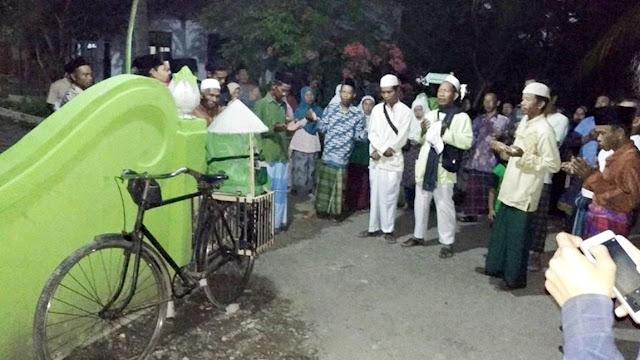 Perjalanan 2 Pria Kebumen Naik Haji dengan Bersepeda Onthel