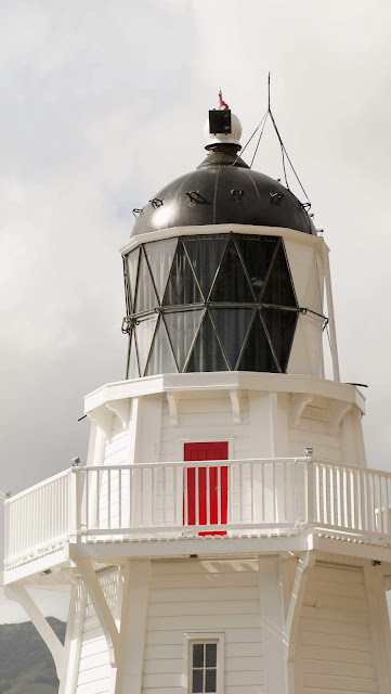 New Zealand road trip itinerary: Akaroa Lighthouse