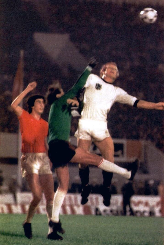 soccer nostalgia international season 1977 78 part 9. Black Bedroom Furniture Sets. Home Design Ideas
