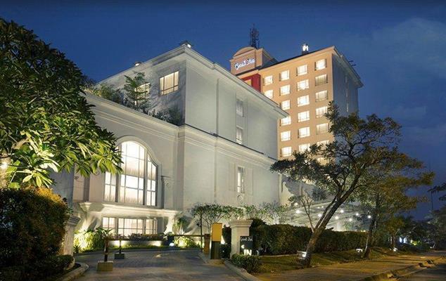 Bila Jalan-Jalan KeNai Menginap di Hotel Grand Zuri BSD