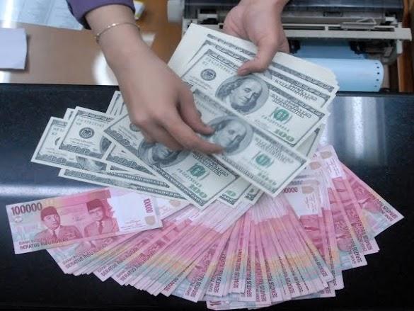 Tak Hanya ke Dolar AS, Rupiah Juga Keok Lawan Yen Hingga Baht