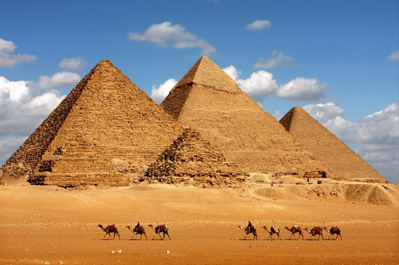 What makes the Great Pyramid of Giza a wonder?