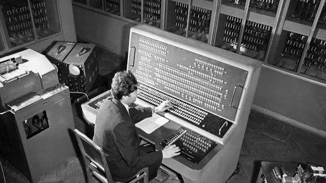 انواع الحاسب الالي ومكوناته واستخداماته