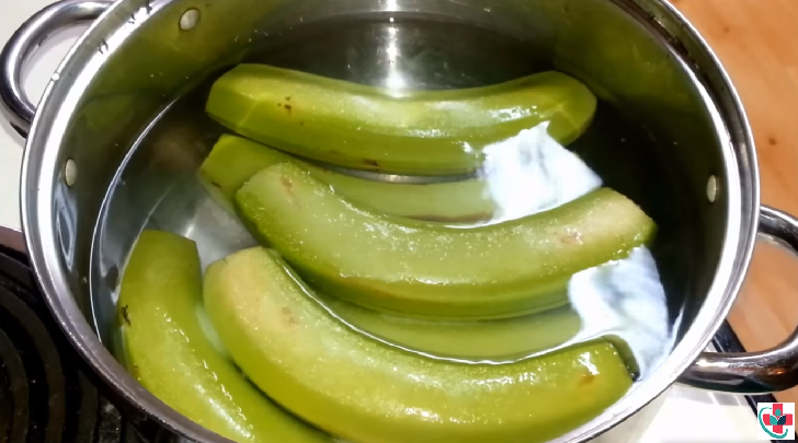Cooked green bananas