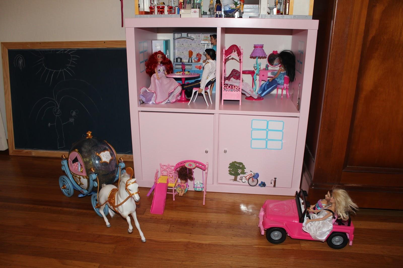 les tribulations d 39 une famille fran aise en californie une maison de barbie ik a. Black Bedroom Furniture Sets. Home Design Ideas